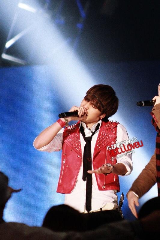 [26.04.10][pics] Bộ sưu tập băng đô của G-Dragon Headband_gd-22